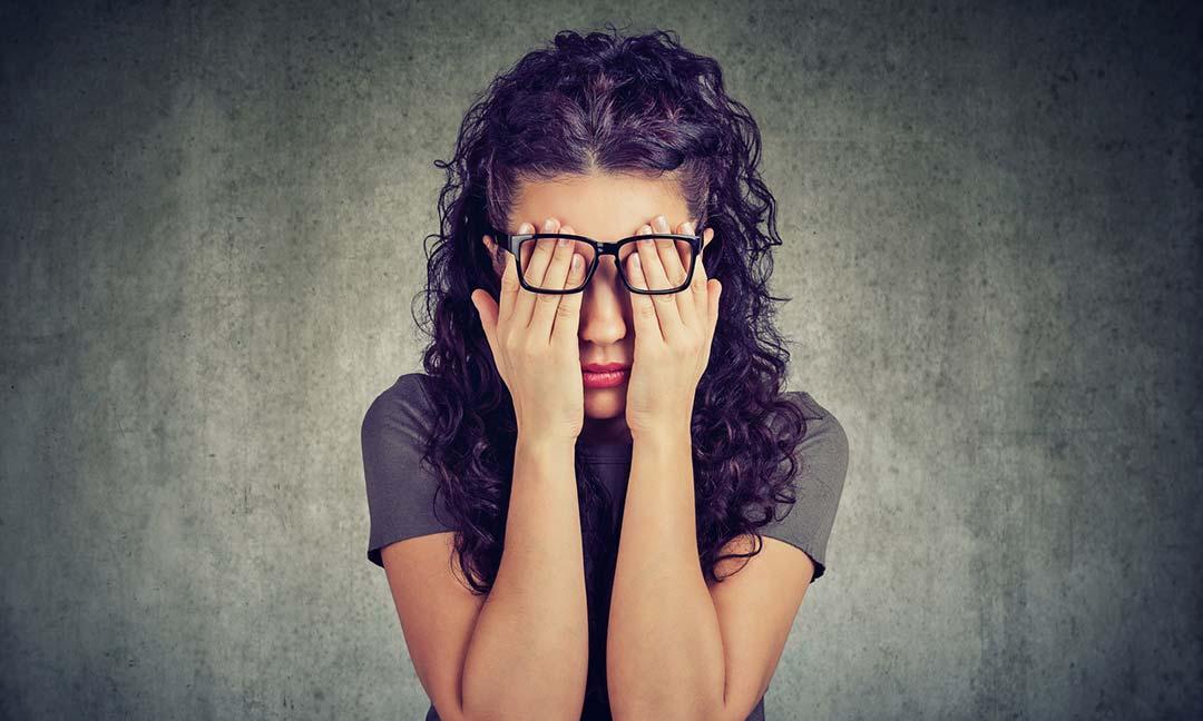 ba771ff8d Os prejuízos de usar óculos falsificados – Centro Campineiro de  Microcirurgia